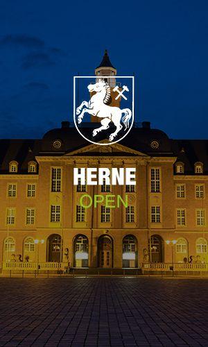 Wappen von Herne mit dem Rathaus im Hintergrund